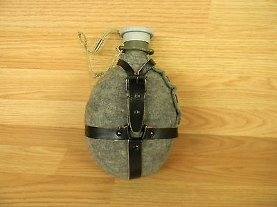 ORIGINAL CZECH M 60 MILITARY SURPLUS CANTEEN WITH COVER