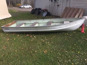 14' aluminum boat no leaks great condition