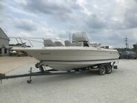 1988 SEARAY LAGUANA 23 FT. CENTER CONSOLE WITH TRAILER
