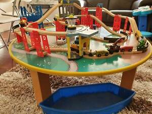 Train set with table