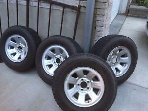 Selling 4 Firestone Winterforce snow tires 225/70 R15