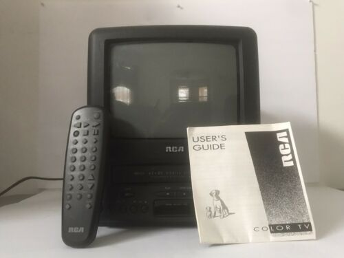 "RCA T09084 9"" TV VCR Combo VHS Television TESTED W/ Remote  EB-2557"
