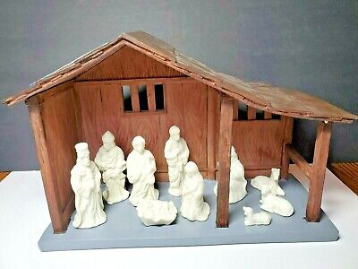 """Nativity Set With Large Porcelain Stable 13.5"""" x 9.5"""" w/10 Porcelain Figurines"""