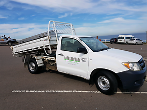 2008 Toyota Hilux Workmate TIPPER Bar Beach Newcastle Area Preview