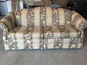 Couch - Pull Out
