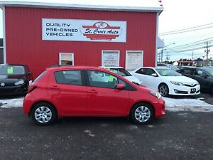 2015 Toyota Yaris LE loaded  auto low kms