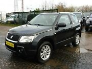 Suzuki Grand Vitara 1.6 Black and White
