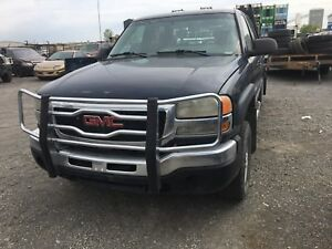 2005 GMC 2500 crew with a deck