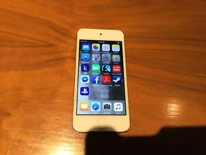 IPod Touch 5th generation - 64gb - good working condition