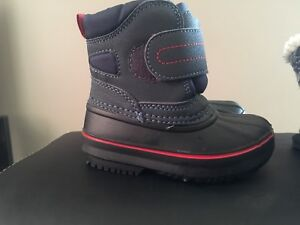 Size 6 toddler winter boots 3 pairs