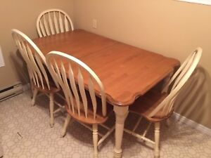 MOVING- 5 Piece Dining Set - Can Deliver MUST GO ASAP