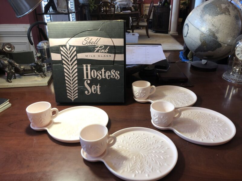 Vtg JEANNETTE Milk GLASS ~ 8 pc HOSTESS SNACK SET w/ BOX ~ SHELL PINK