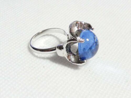 VINTAGE - Pretty Silvertone Blue Cabochon Adjustable RING