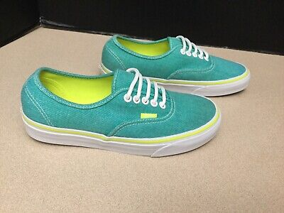 Womens Vans Canvas Skate Shoes. Size 8. Great Condition!!!