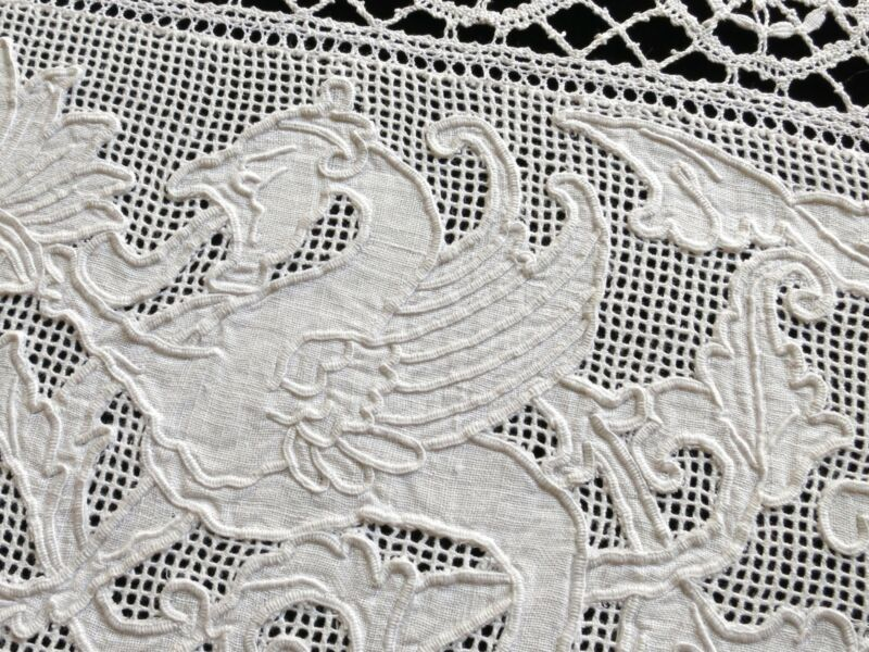 Griffins Antique Table Runner Italian Lace & Embroidery 15x19""