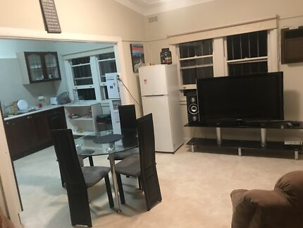 Private room, GREAT PRICE!! room $180-no sharing