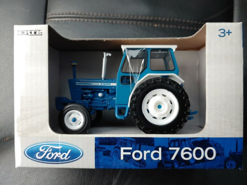 ERTL Ford 7600 Tractor 1/32