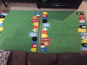 2 kids rugs, 1 for 15$ or 25$ for both. Mint Condition:)