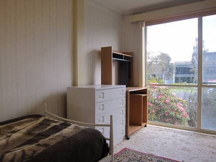 LF 30-50 y/o MATURE MALE! $130 A WEEK INCLUDES BILLS Mount Waverley Monash Area Preview