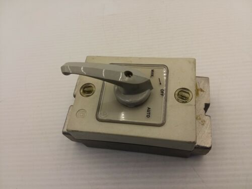 MOELLER T2B-1-15434 ROTARY SWITCH 16A 600VAC HEAVY DUTY MAN/OFF/AUTO