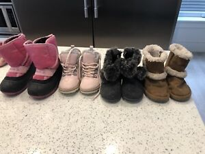 Girls winter boots size 4 and 5