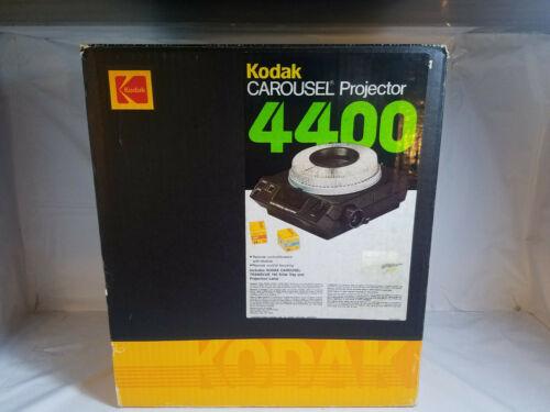Kodak 4400 Carousel Slide Projector w/Remote & 140-Slide Tray-PreOwned
