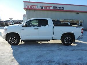 2015 Toyota Tundra Local,Power Drivers Seat,Heated Seats,Back...