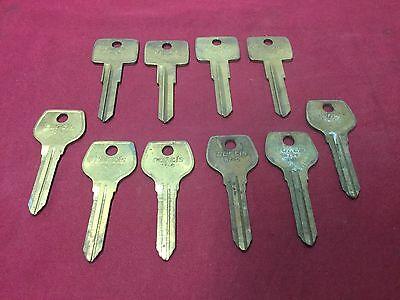 Volvo Mazda By Curtis Vl6 Mz9 Automotive Key Blanks Set Of 15 - Locksmith
