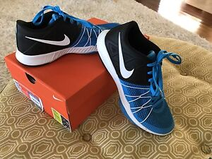 Mens Nike Training Sneakers Size 9