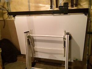 Professional drafting table good condition