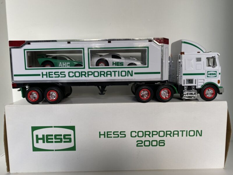2006 Hess Corporation NYSE New York Stock Exchange Truck Limited Edition NEW