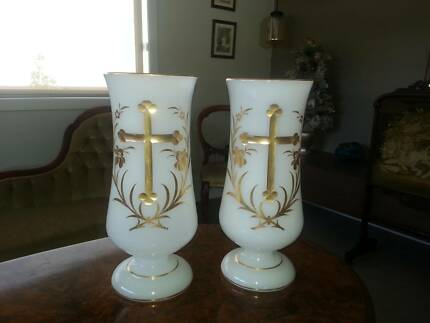 Pair Of Floral Vases Antiques Gumtree Australia Bendigo City