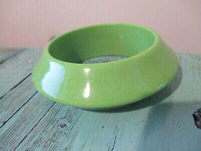Vintage Lime Green Lucite, Old Plastic Flying Saucer Bangle Bracelet](Flying Saucer Costume)