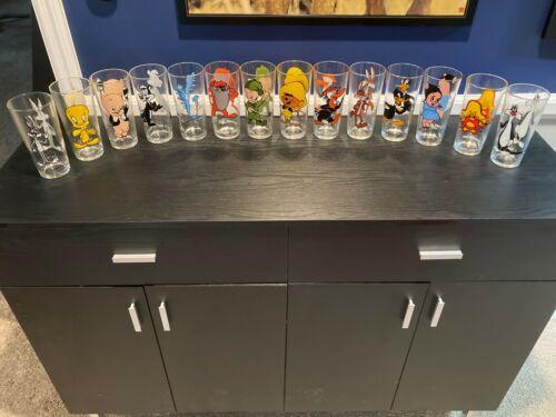 Set of 14 Pepsi Time Warner Looney Toons glasses 1973