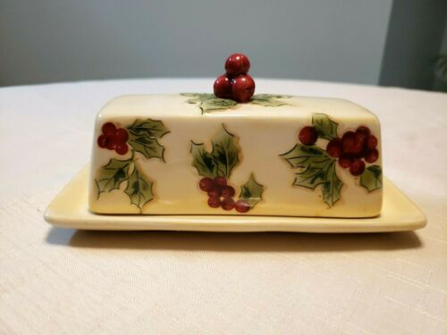 TARGET CLASSIC TIDINGS HOLIDAY 07 2 PIECE COVERED BUTTER DISH PREOWNED