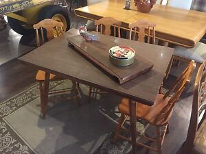 Retro Table with Leaf and 4 chairs