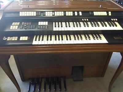 Vintage Wurlitzer Model 4300 Electric Organ
