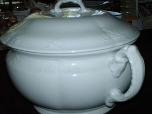 Royal Ironstone Alfred Meakin England White Porcelain w/ Cover Chamber Pot