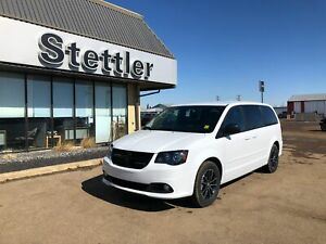 2017 Dodge Grand Caravan Blacktop! DVD! BACK UP CAMERA!