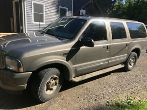 2003 Ford Excursion Limited 7.3 L Diesel