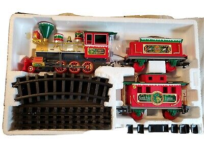 North Pole Express CHRISTMAS TRAIN SET 22 PIECE in Factory Box Battery operated