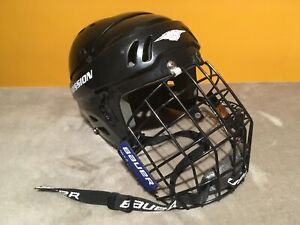 8c1ca03f860 Mission Youth Hockey Helmet M15S w  Bauer Cage Size S Small