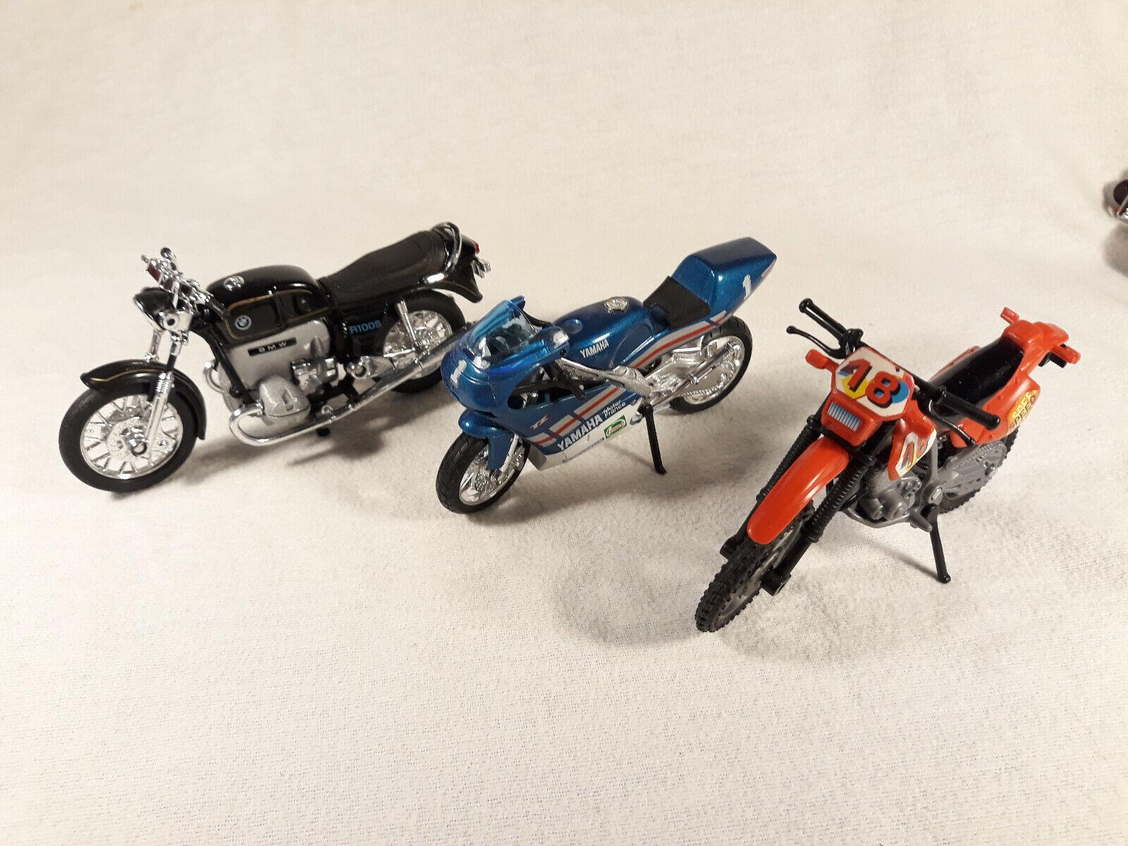 Motos miniatures : roadsters, sportives, customs, cross : yamaha, honda, bmw