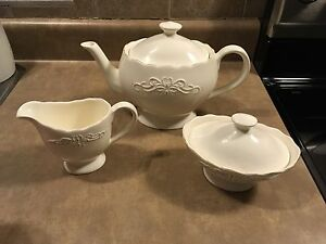 Brand new 3 piece Avon Teaset