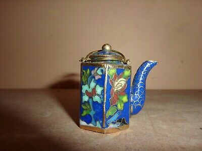 CHINESE 4.2CM HIGH 6 SIDED BLUE CLOISONNE MINI TEAPOT/KETTLE WITH FLOWER DESIGN