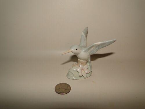 Hummingbird Figure, Pastle Colors