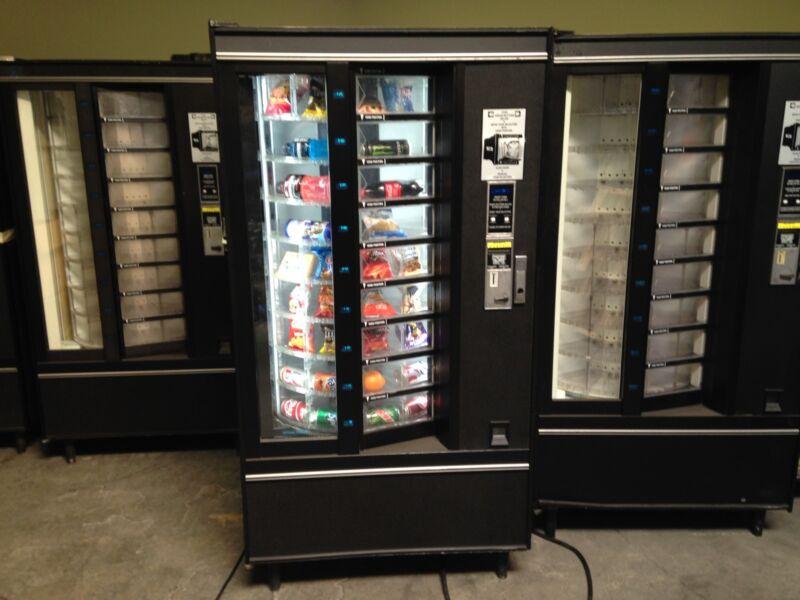Combo Vending Machine Soda, Snack & Food Accepts Coins & Bills National Vendors
