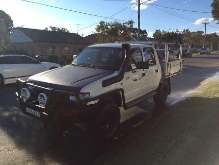 Hilux Dual Cab 4X4 5L turbo diesel 2000 Aluminium tray URGENT SALE!!! Condell Park Bankstown Area Preview