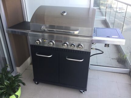 Jumbuck BBQ with 9kg Gas Bottle and Accessories