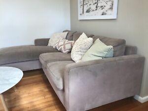 Jardan 2.5 seat New York sofa with chaise